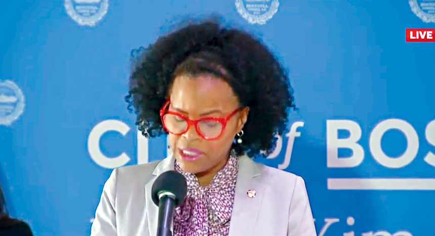 5月17日下午,波士頓市長金·珍妮在新聞簡報會上發言。波士頓市政府官網