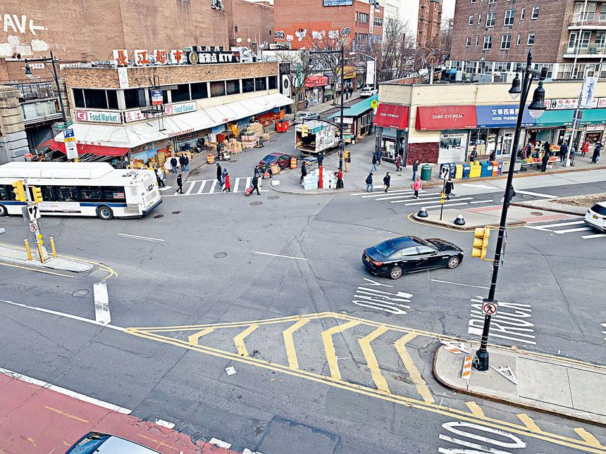 「緬街巴士專線計劃」施近4個月,對法拉盛商業區生意負面影響浮上面。