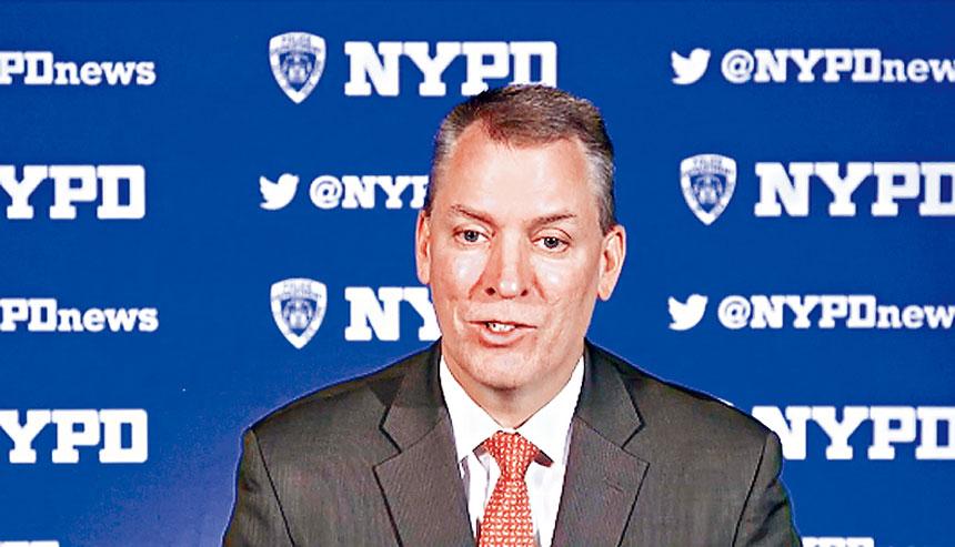 謝伊7日回應柯謨有關地鐵犯罪狀況的責難,表示將視情況對警力進行部署。
