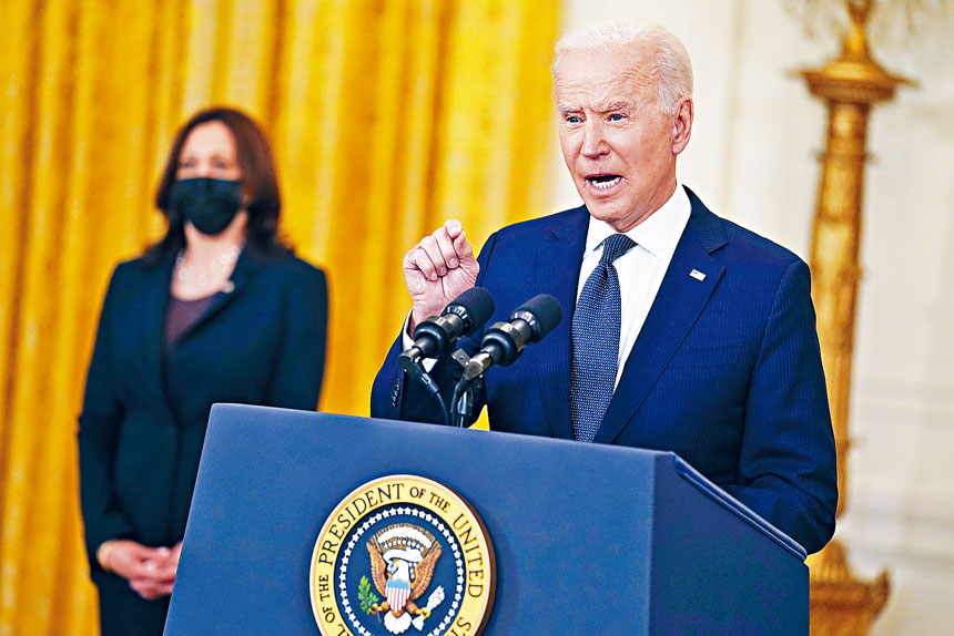 拜登政府開始給州發放新冠疫情紓困案的援助金。美聯社