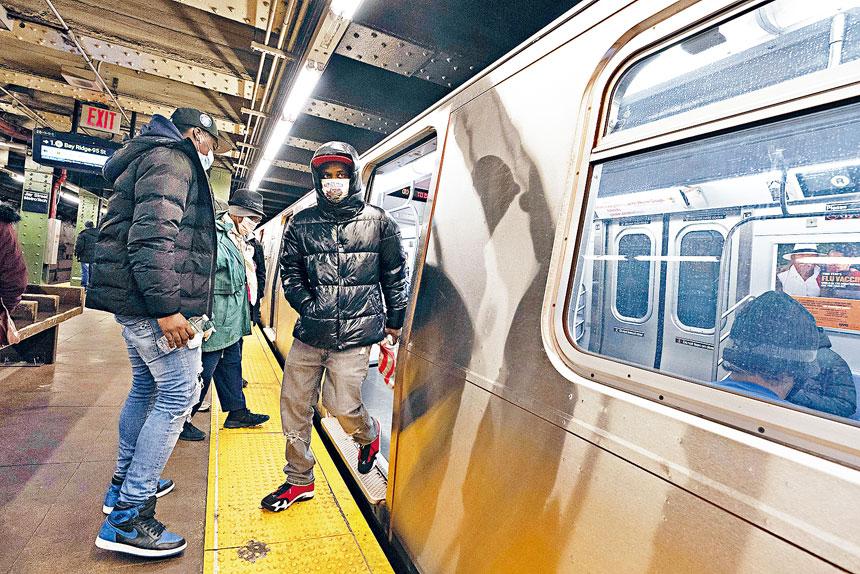 地鐵現時犯罪率仍遠超疫情大流行前水平。美聯社