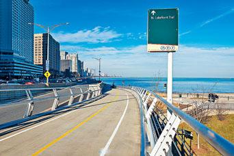 海軍碼頭天橋終在5月10日竣工開放啟用。
