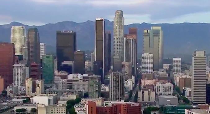 越來越多人搬離加州,2020年人口首次下降。KTLA