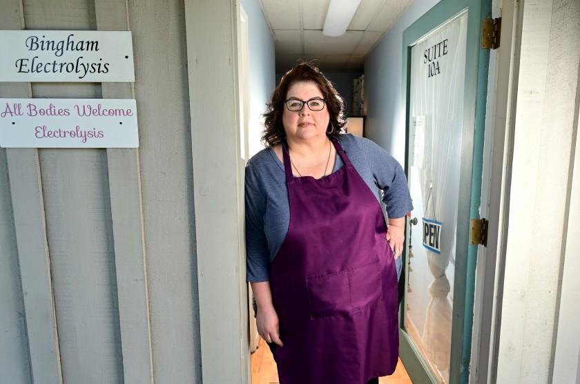 53歲布貢(Chrystal Bougon)因肥胖比其他人更早符合資格接種新冠疫苗。洛杉磯時報