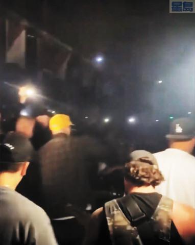 洛杉磯有民眾聚集開趴,遭警方驅離。KTLA新聞畫面截圖