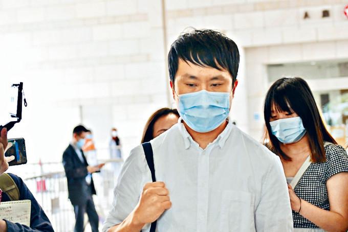 前議員鄺俊宇出庭作供。