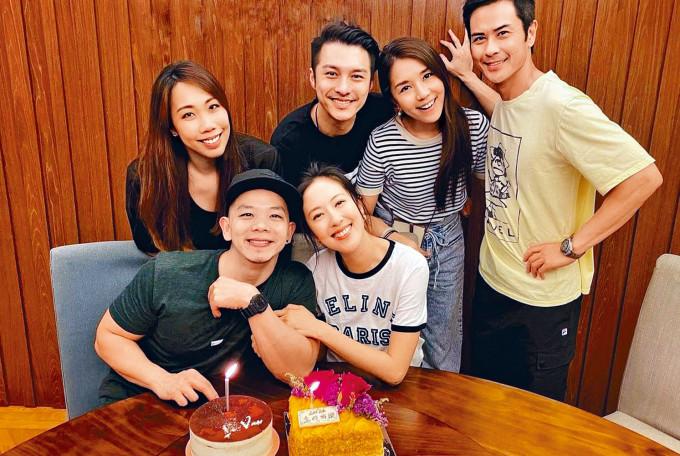 鐵馬家族成員為林子善、唐詩詠慶生,大嫂陳凱琳則充當攝影師。