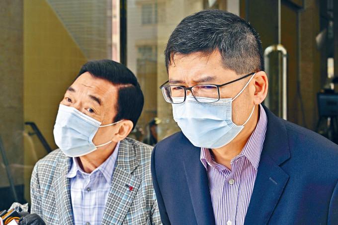 醫院管理局主席范鴻齡(左)表示,宣誓只會涵蓋醫管局管理層。