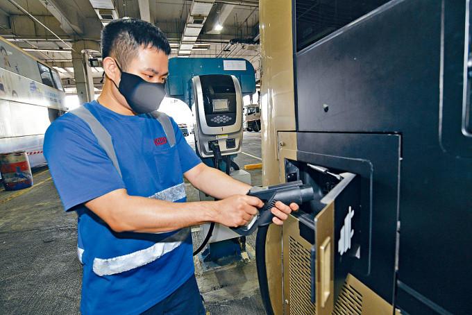 九巴擬新增兩個車廠加設充電配套,可應付八百至一千輛電動巴士。