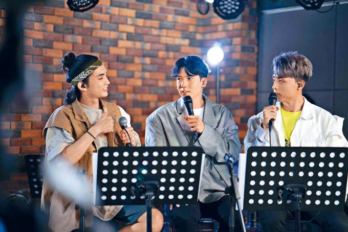 左起:Lokman、關智斌及AK原來十分老友。