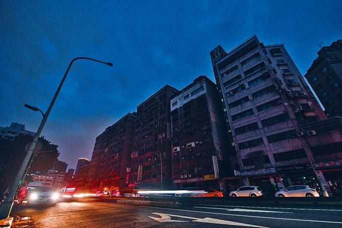 台北市部分區域至晚上仍停電。