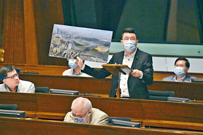 劉國勳稱,深圳鹽田區政府向他建議,設立「沙頭角深港國際旅遊消費合作區」。