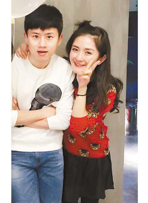 張傑與謝娜十分恩愛。 網上圖片