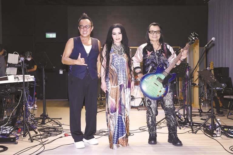沈文程(右起)、潘越雲、黃大煒 為演唱會彩排。
