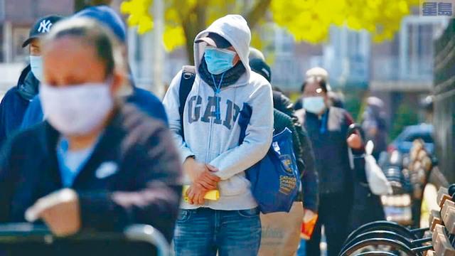疾病控制及預防中心頒布新的口罩指引後,很多人對要不要戴口罩都感到無所適從。ABC截圖