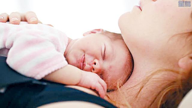 ■全國出生率持續下跌,去年新生嬰兒數目是近四十多年來最少。法新社