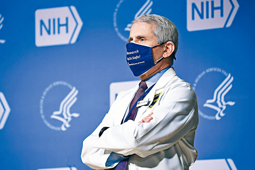 總統拜登正式下令調查美國國家衛生研究院撥款的使用情況,包括福西博士批准武漢實驗室使用的資金。資料圖片