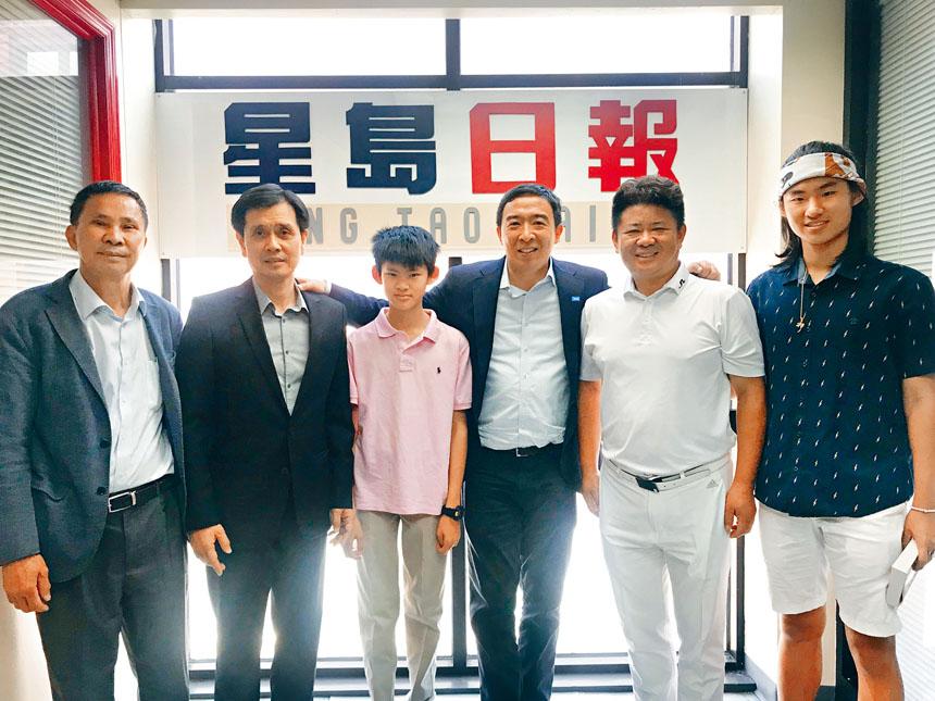 楊安澤20日到訪星島日報。