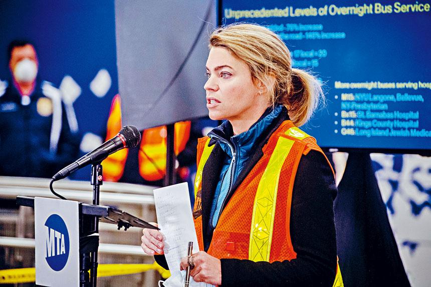 范伯格指出,地鐵人手短缺問題將持續數月。Hilary Swift/紐約時報