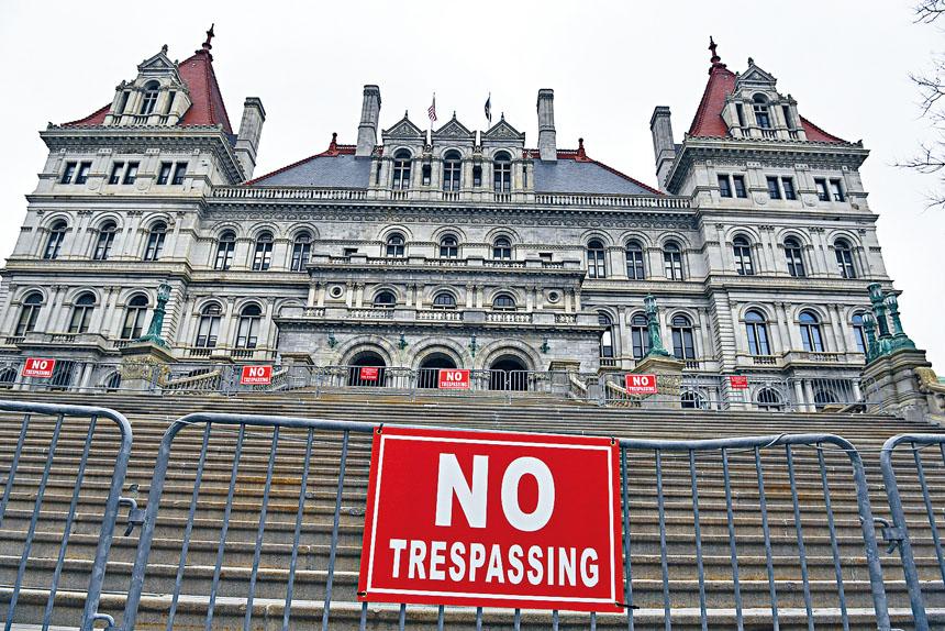 奧本尼於休會前最後一刻通過多項法案,圖為奧本尼的州議會大廈。Cindy Schultz/紐約時報