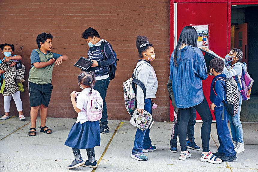 教育局去年以疫情大流行清潔為理由,大幅增加租用校舍收費。Sarah Blesener/紐約時報