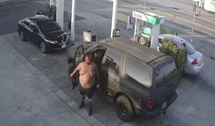 37歲長堤市居民 Antoine Larue Rainey在加油站攻擊一名婦女。洛縣縣警局