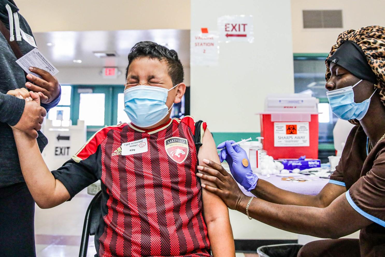 未滿12歲的兒童仍無法接種疫苗,面臨較高的染疫風險。洛杉磯時報