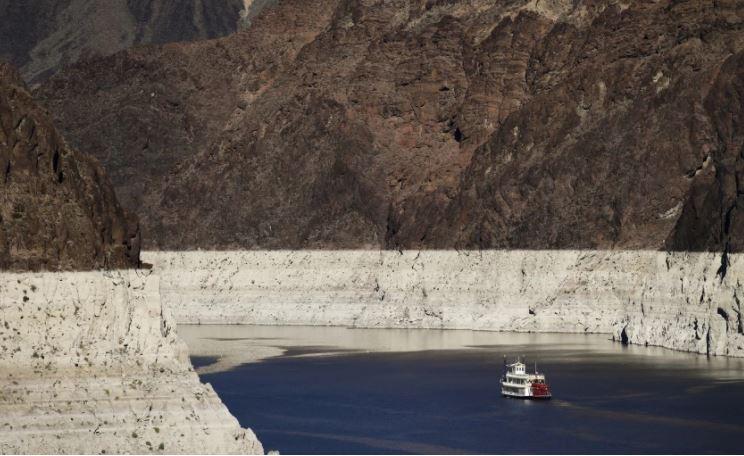 米德湖水位下降至令人擔憂的歷史新低點。美聯社