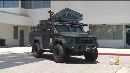 「火貓」戰車能夠幫助撲滅火災和打擊犯罪。CBSLA