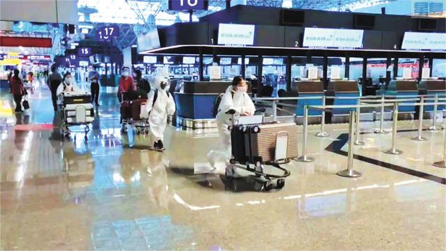 台灣本土疫情爆「飛美避難」 北美航線班班客滿。民視