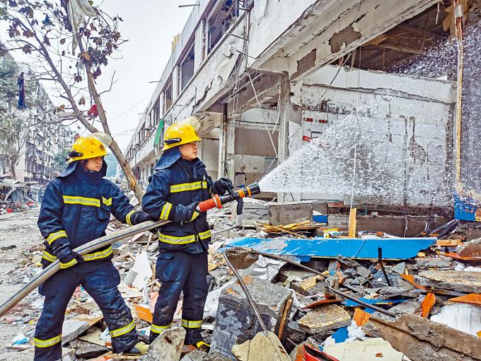 湖北十堰燃氣爆炸造成重大傷亡。