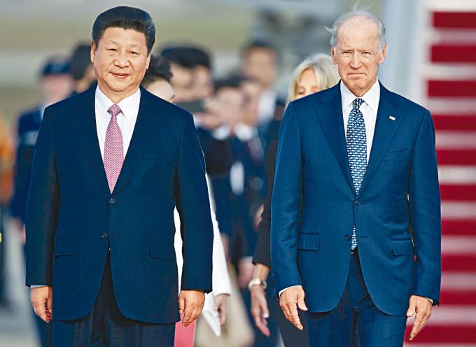 習近平二○一五年訪美,時任副總統拜登迎接。