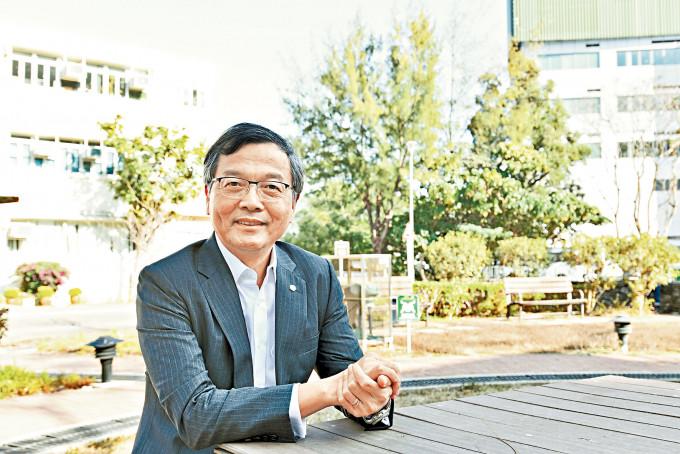 安老事務委員會主席林正財表示,有需要向院友提供實際誘因,改善接種率低情況。