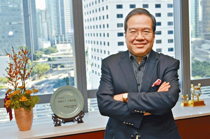 胡定旭表示,吸引外地執業的港人醫生回流對香港是好事。