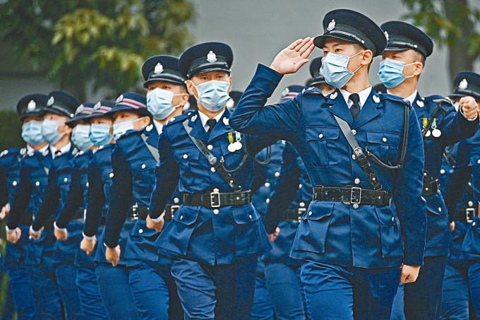 紀常會報告書倡議加人工,警員的起薪加至每月二萬六千一百九十元。