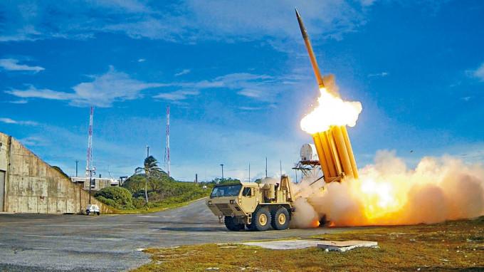 美國的薩德反導彈系統在一次攔截測試中發射。