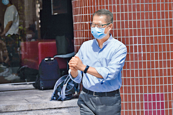 陳茂波呼籲想置業的市民,量力而為。