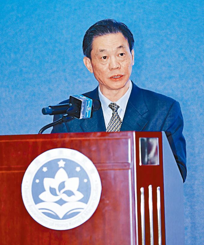 國務院港澳辦副主任鄧中華指,要以愛國者治港、愛國者治澳作為「一國兩制」的核心要義。