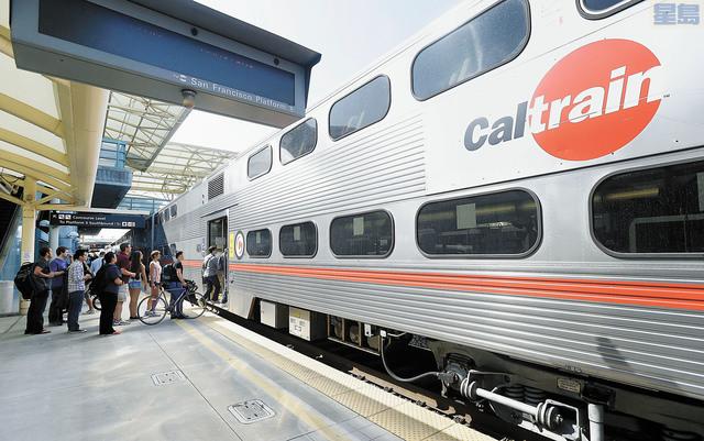 加州火車和灣區捷運合併獲不少灣區選民支持。美聯社資料圖片 加州火車 灣區捷運