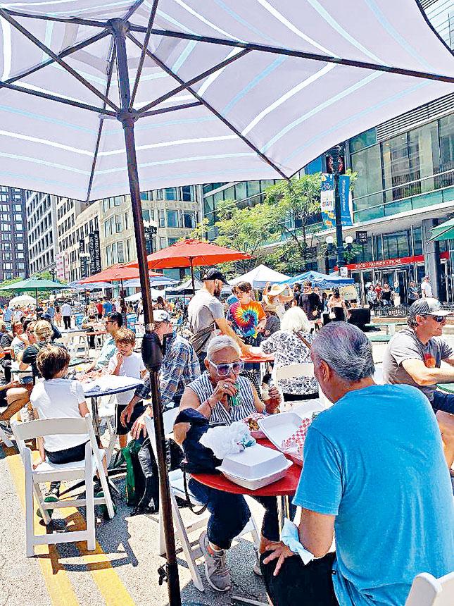 開放文化、關閉州街的周日,原本車水馬龍的州街變身為開放的歡樂天地。梁敏育攝