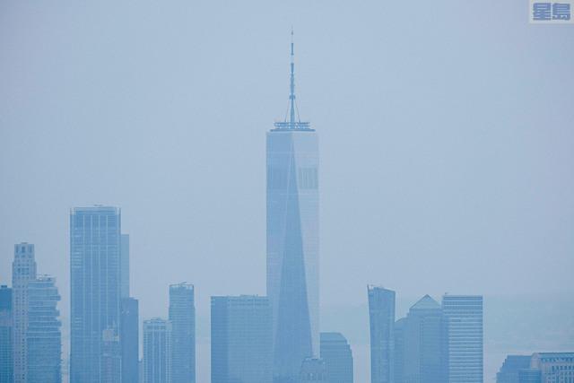 ■紐約市20日的24小時平均空氣質素指數達至154,是2006年6月以來最空氣最差的一天,空氣品質會對敏感人群以至大眾健康造成不良影響。    法新社